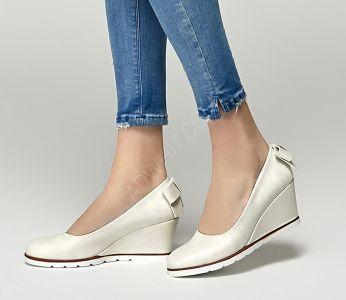 37fa1e83a حذاء نسائي ببيونة وكعب سابو - للبيع بالجملة - فلو - Flo