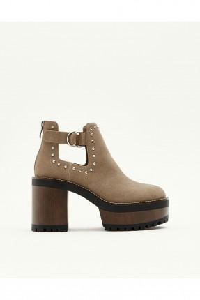 حذاء نسائي كعب عريض