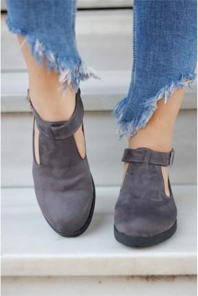 حذاء نسائي مع حزام _ فضي