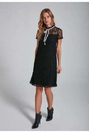 فستان سبور مع دانتيل
