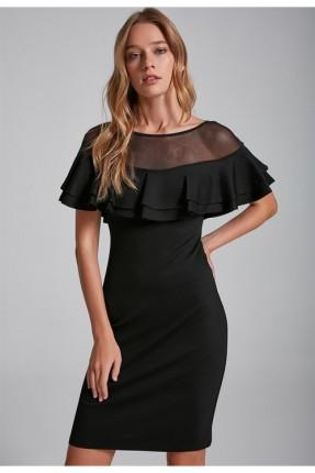 فستان  رسمي مع كشكش