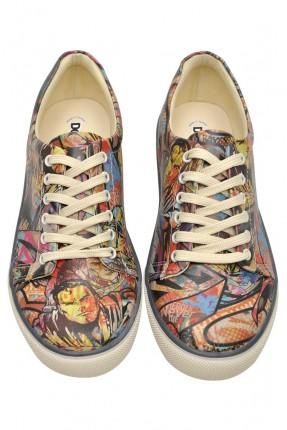 حذاء نسائي مع طبعة