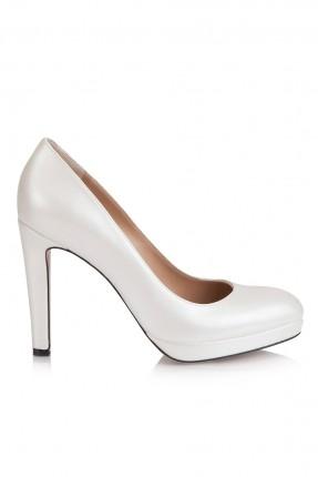حذاء نسائي مع كعب - ابيض