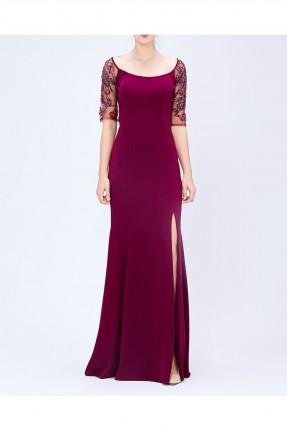 فستان رسمي مع فتحة