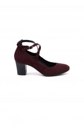 حذاء نسائي مع كعب - خمري