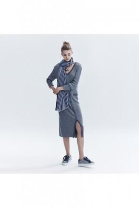 فستان نسائي ياقة v