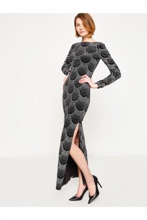 فستان مع فتحة جانبية