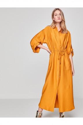 فستان طويل مزموم عند الخصر
