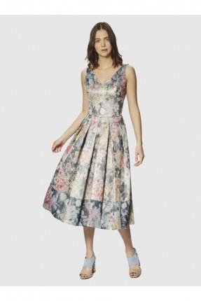 فستان رسمي بياقة V