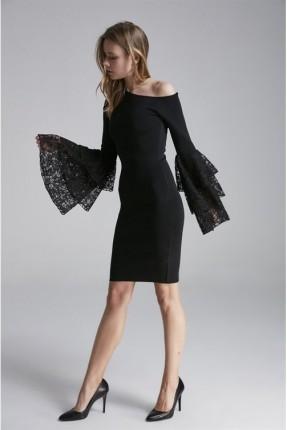 فستان رسمي كتف ظاهر مع كشكش من الدانتيل على الاكمام