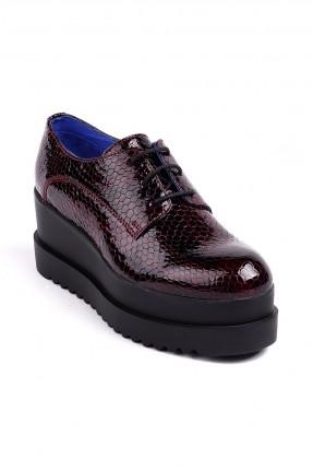 حذاء نسائي جلد منقش - خمري