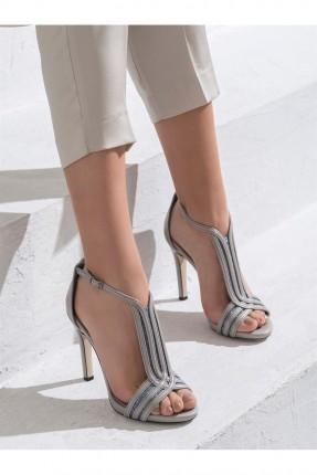 حذاء نسائي شيك بكعب