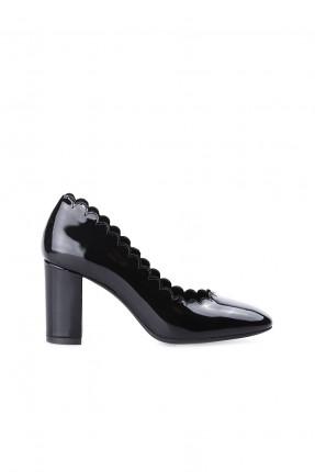حذاء نسائي جلد مع كشكش - اسود