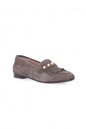 حذاء نسائي مع كشكش