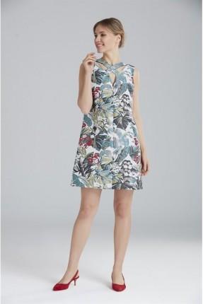 فستان رسمي جاكار مع اشارة ضرب على الياقة