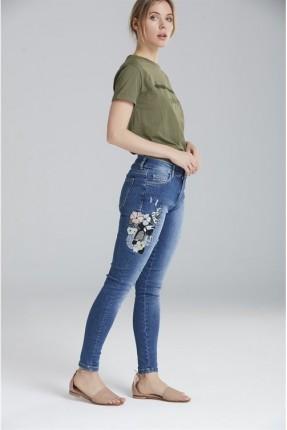 بنطال نسائي جينز مطرز بورد