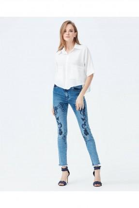 بنطال نسائي جينز مطرز سبور