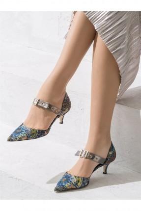 حذاء نسائي مع حزام