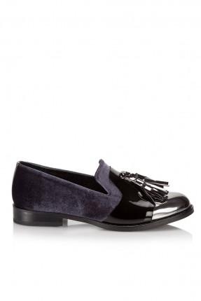 حذاء نسائي مع شراشيب