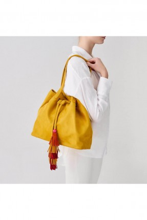 حقيبة يد نسائية مع زم وشراشيب