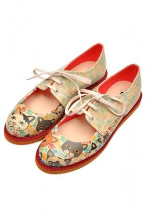 حذاء نسائي مطبوع قطط سبور