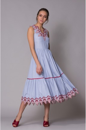 فستان سبور حفر مزين من الاطراف دانتيل