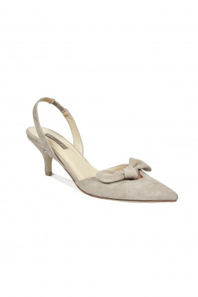 حذاء نسائي كلاسيكي مزين فيونكة - بيج