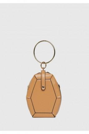 حقيبة يد نسائية مع حزام كتف مزين حلقة معدن - بيج