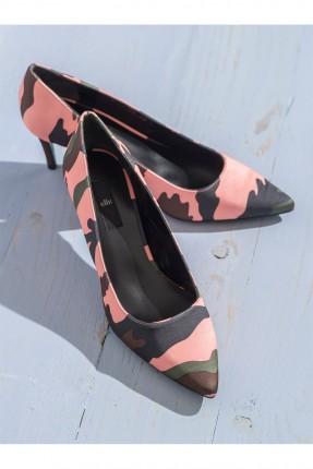 حذاء نسائي مموه