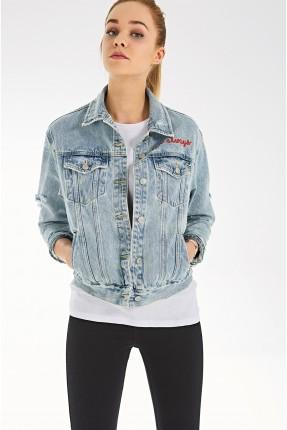 جاكيت نسائي جينز مطرز على شكل نمر