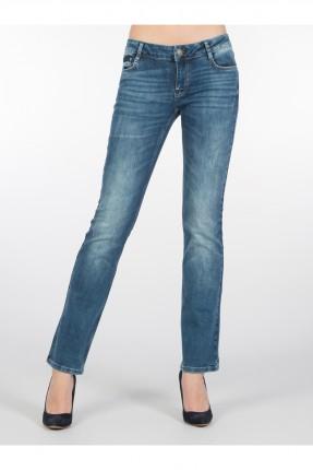 بنطال جينز نسائي مع كحتة