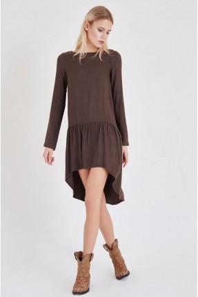 فستان سبور مع كشكش طويل من الخلف