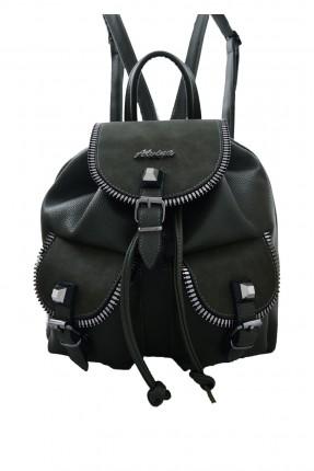 حقيبة ظهر نسائية مع جيوب خارجية