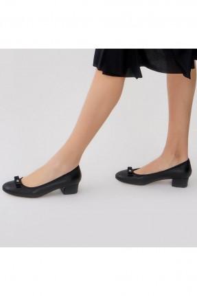 حذاء نسائي ببيون - اسود