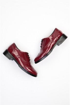 حذاء نسائي مع رباطات - خمري