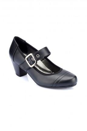 حذاء نسائي سبور مع حزام