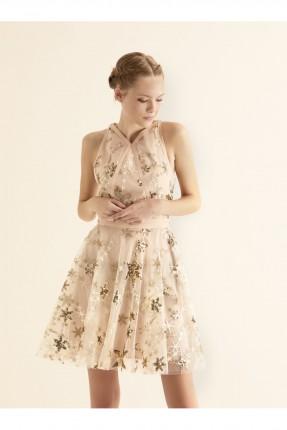 فستان رسمي مزين بالنجوم