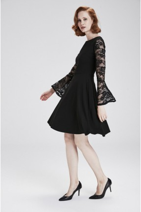 فستان رسمي شيك باكمام دانتيل