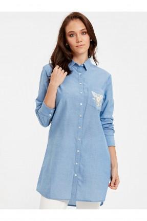 قميص نسائي مع تطريز على الجيب