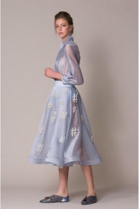تنورة قصيرة شفافة