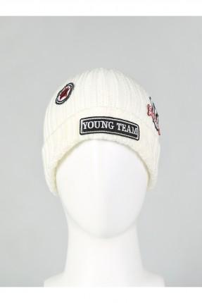 قبعة نسائية مع طبعات