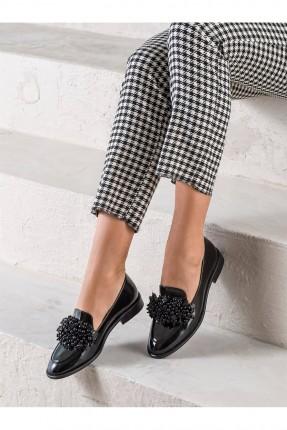 حذاء نسائي رسمي مزين بروش