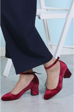 حذاء نسائي بكعب عريض