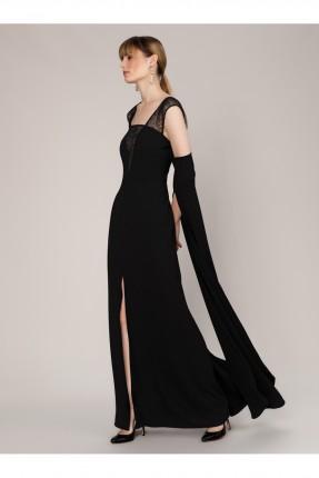 فستان رسمي طويل مزين بالدانتيل