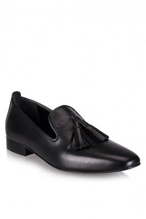 حذاء نسائي سبور مع شراشيب