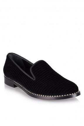 حذاء نسائي مزين الاطراف