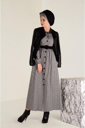 فستان سبور طويل مزين بازرار