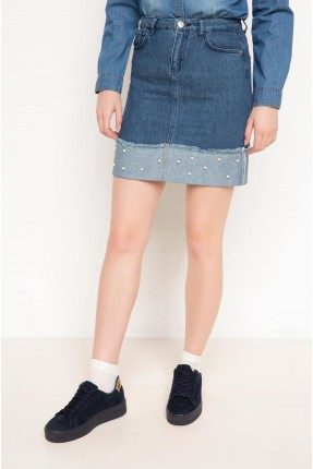 تنورة قصيرة جينز مزينة لؤلؤ