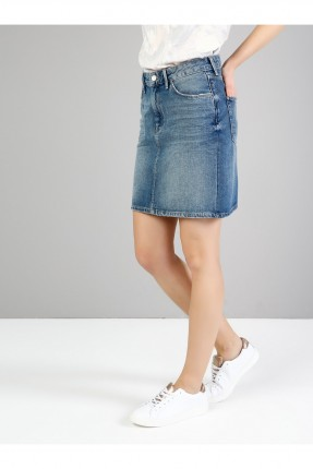 تنورة قصيرة مع جيوب سليم فيت