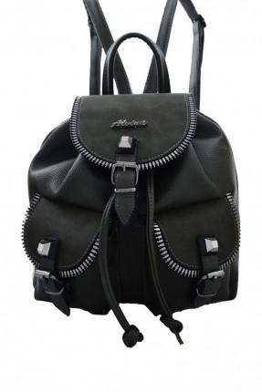 حقيبة ظهر نسائية مزينة بحزامات